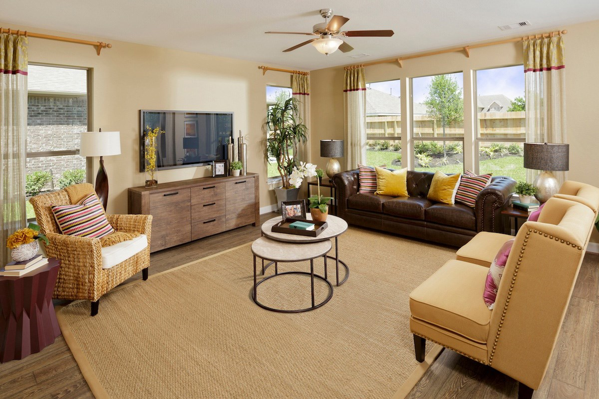 New Homes in Pearland, TX - Canterbury Park 2863 Living Room