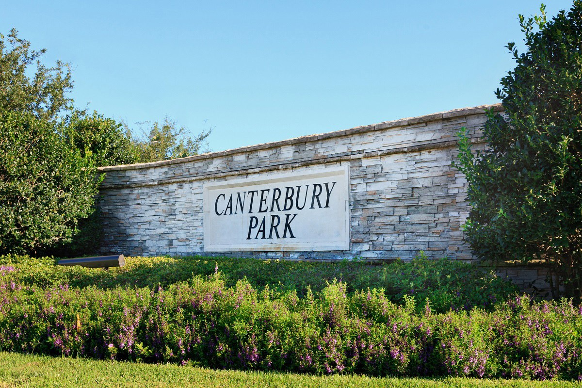 New Homes in Pearland, TX - Canterbury Park Entry Monument