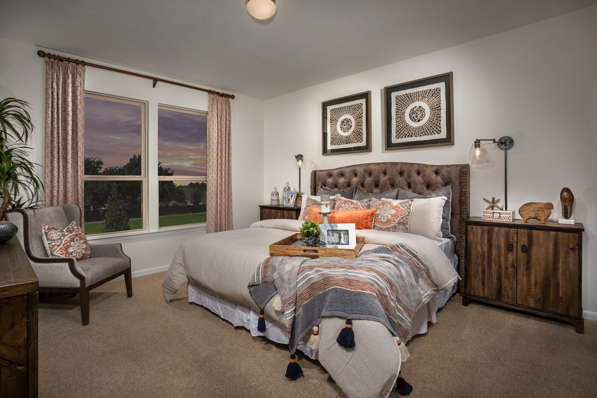 New Homes in Rosenberg, TX - Bryan Crossing Plan 1675 Owner's Suite