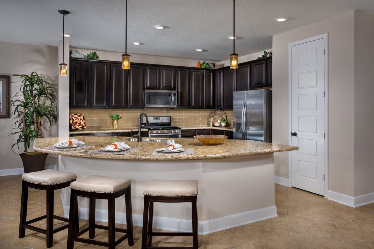 New Homes in Pearland, TX - Canterbury Park Plan 2932 Kitchen
