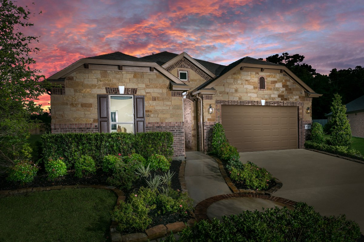 New Homes in Magnolia, TX - Cimarron Creek Preserve Plan 2398 Modeled