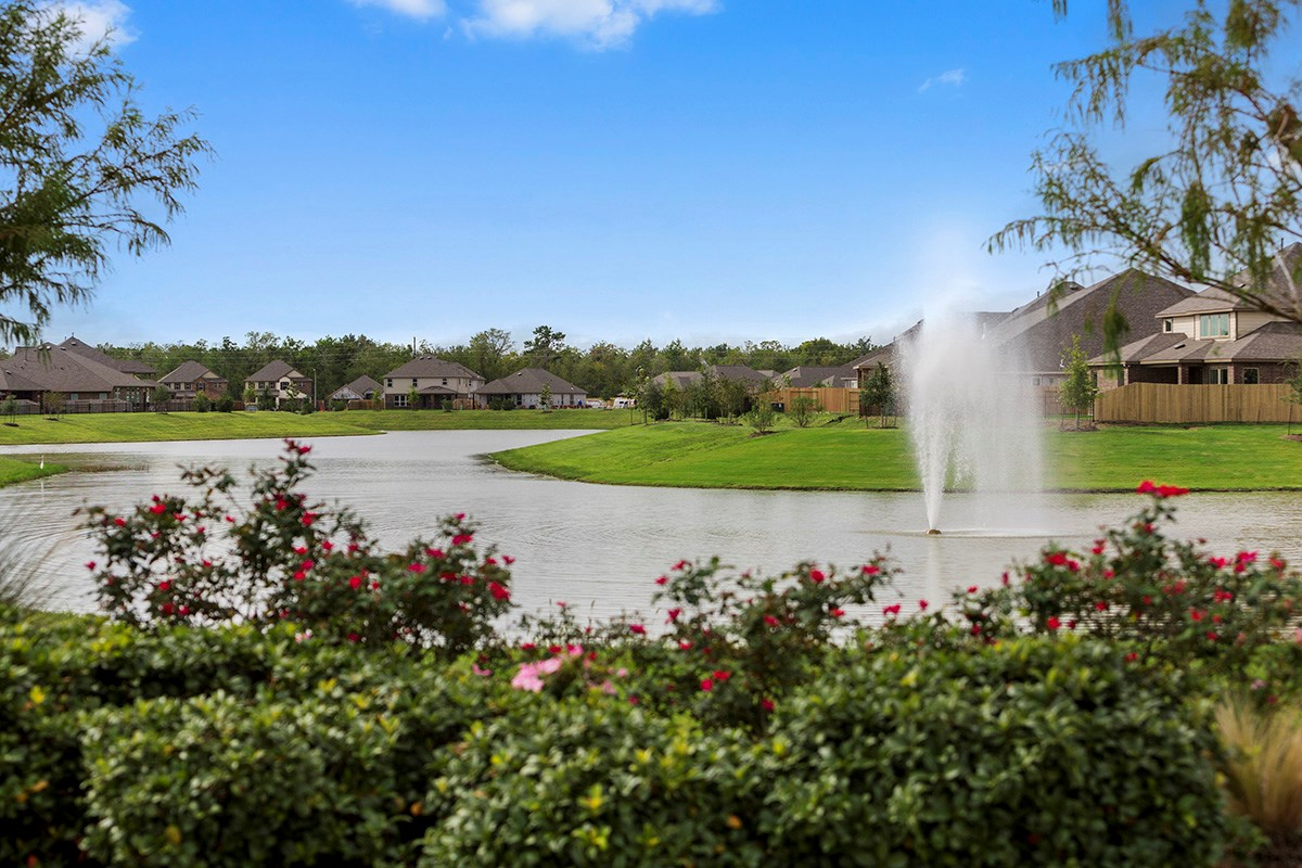 New Homes in Pearland, TX - Shadow Grove Preserve Community Pond
