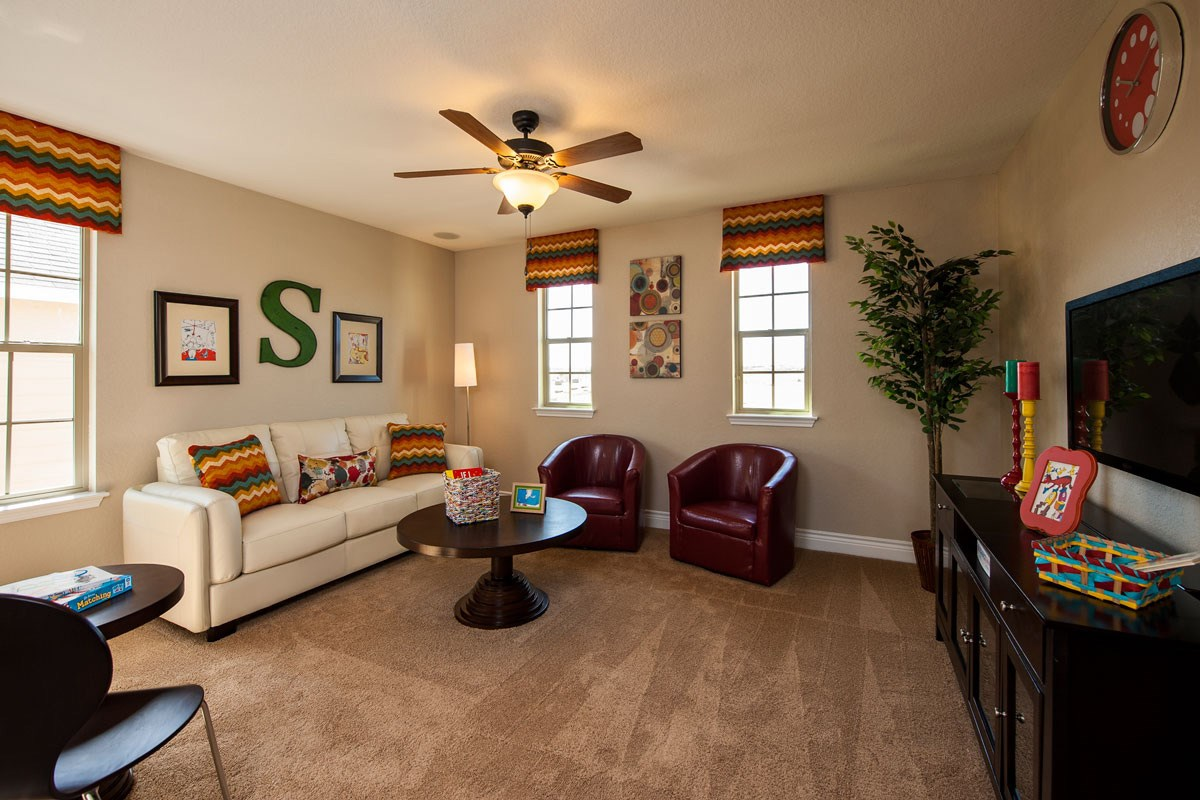 New Homes in New Braunfels, TX - Legend Point The 2403 Loft