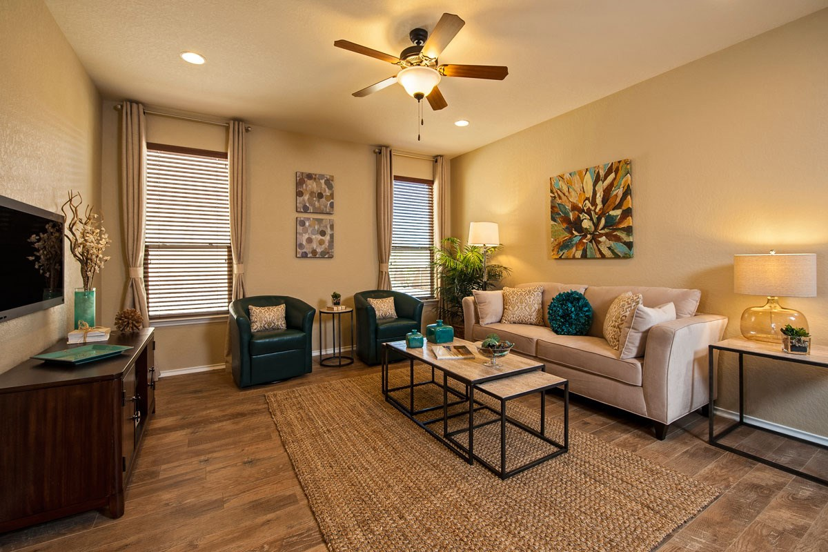 New Homes in New Braunfels, TX - Legend Point The 1647 Great Room
