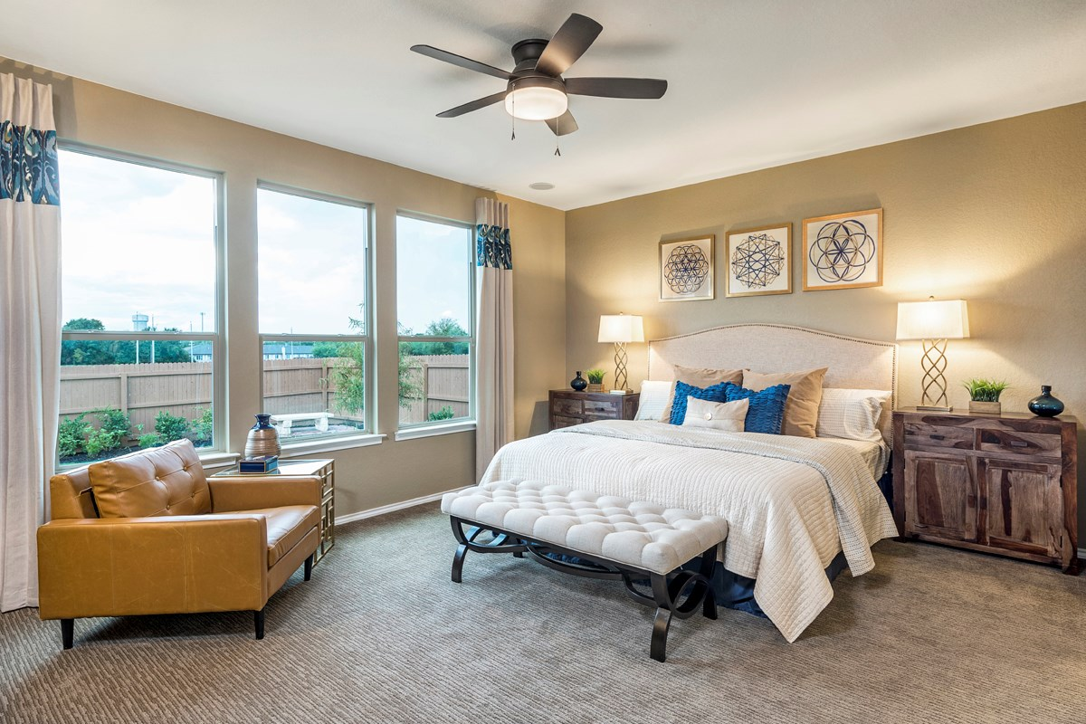 New Homes in Universal City, TX - Copano Ridge The 2004 Master Bedroom