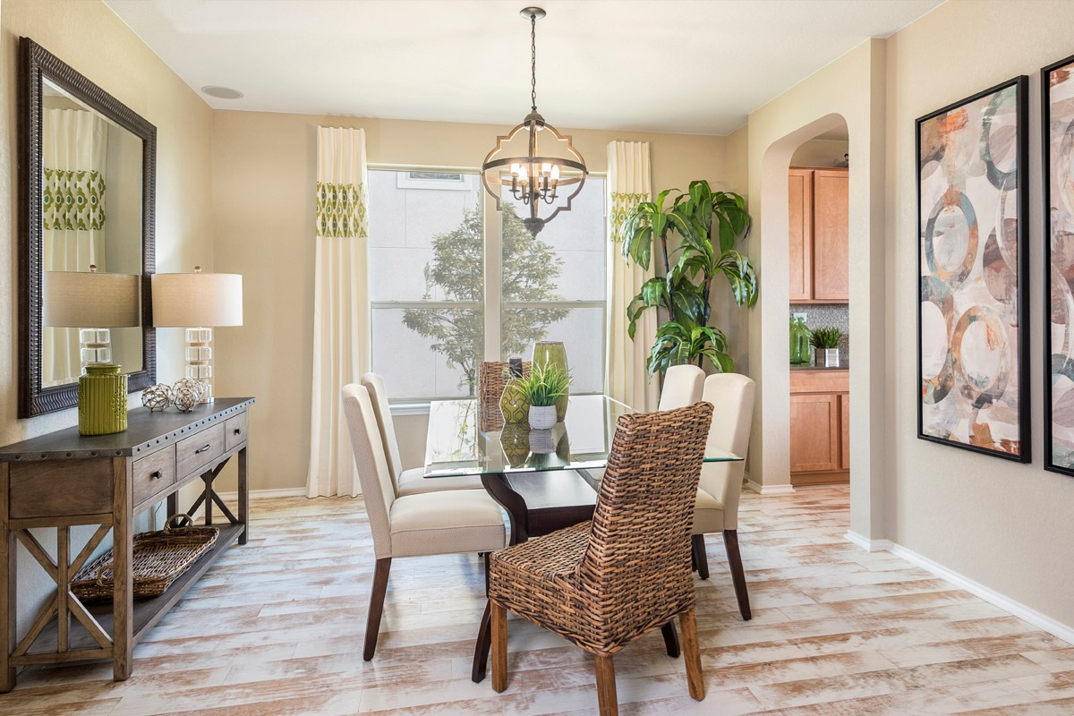 New Homes in Universal City, TX - Copano Ridge The 2502 Dining Room