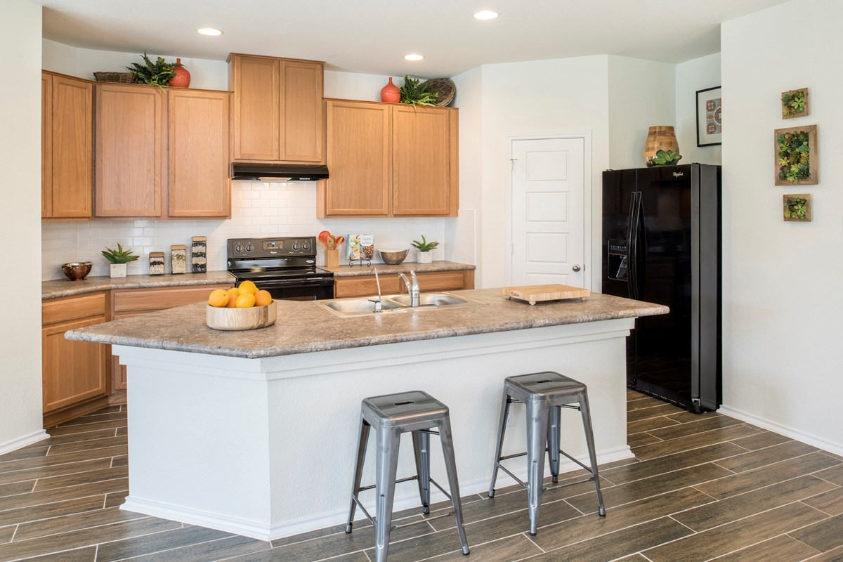 New Homes in San Antonio, TX - Dove Creek The 1694 Kitchen