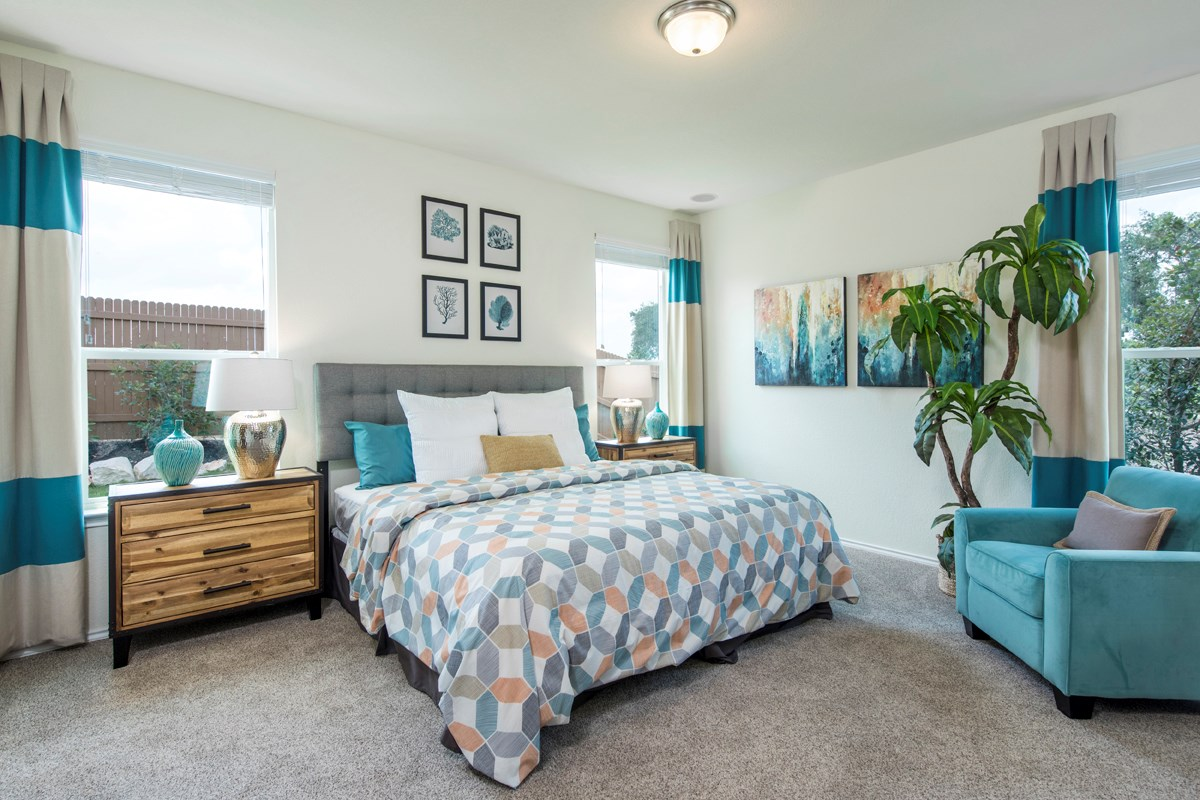 New Homes in San Antonio, TX - Dove Creek The 1694 Master Bedroom