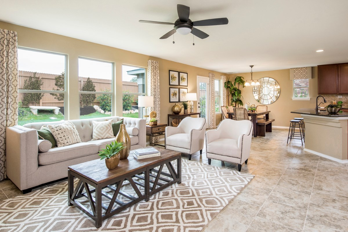 New Homes in San Antonio, TX - Dove Creek The 2403 Great Room