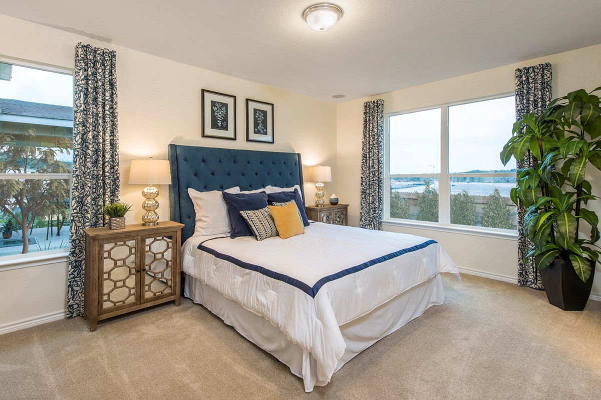 New Homes in San Antonio, TX - Hidden Canyons at TRP The 1647 Master Bedroom