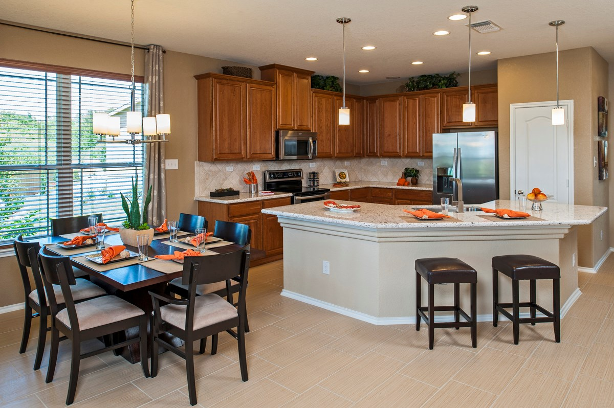New Homes in Cibolo, TX - Landmark Pointe The 2004 Dining and Kitchen