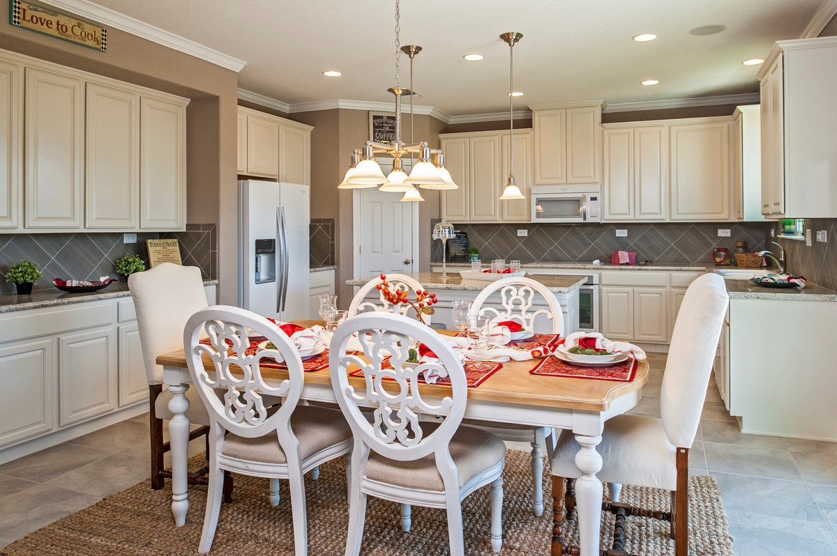 New Homes in Cibolo, TX - Landmark Pointe The 2655 Dining Room