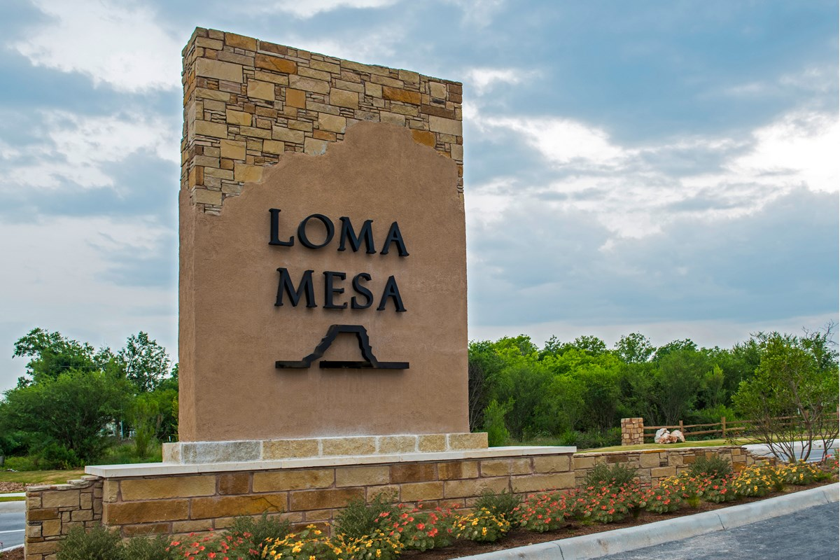 New Homes in San Antonio, TX - Loma Mesa Community Entry