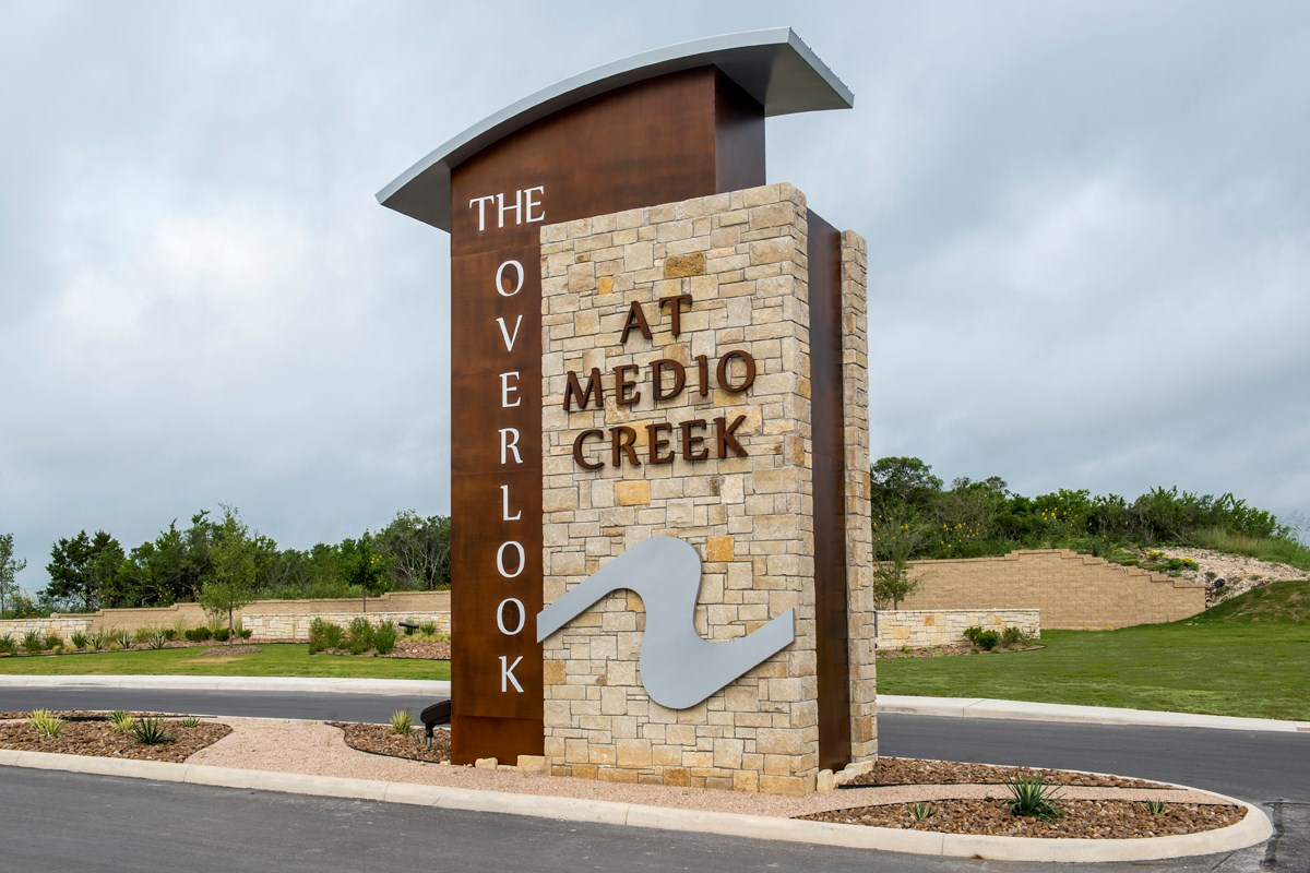 New Homes in San Antonio, TX - The Overlook at Medio Creek Community Entry