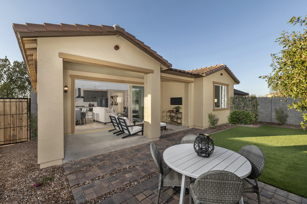 New Homes in Gilbert, AZ - Layton Lakes Plan 2046 Patio