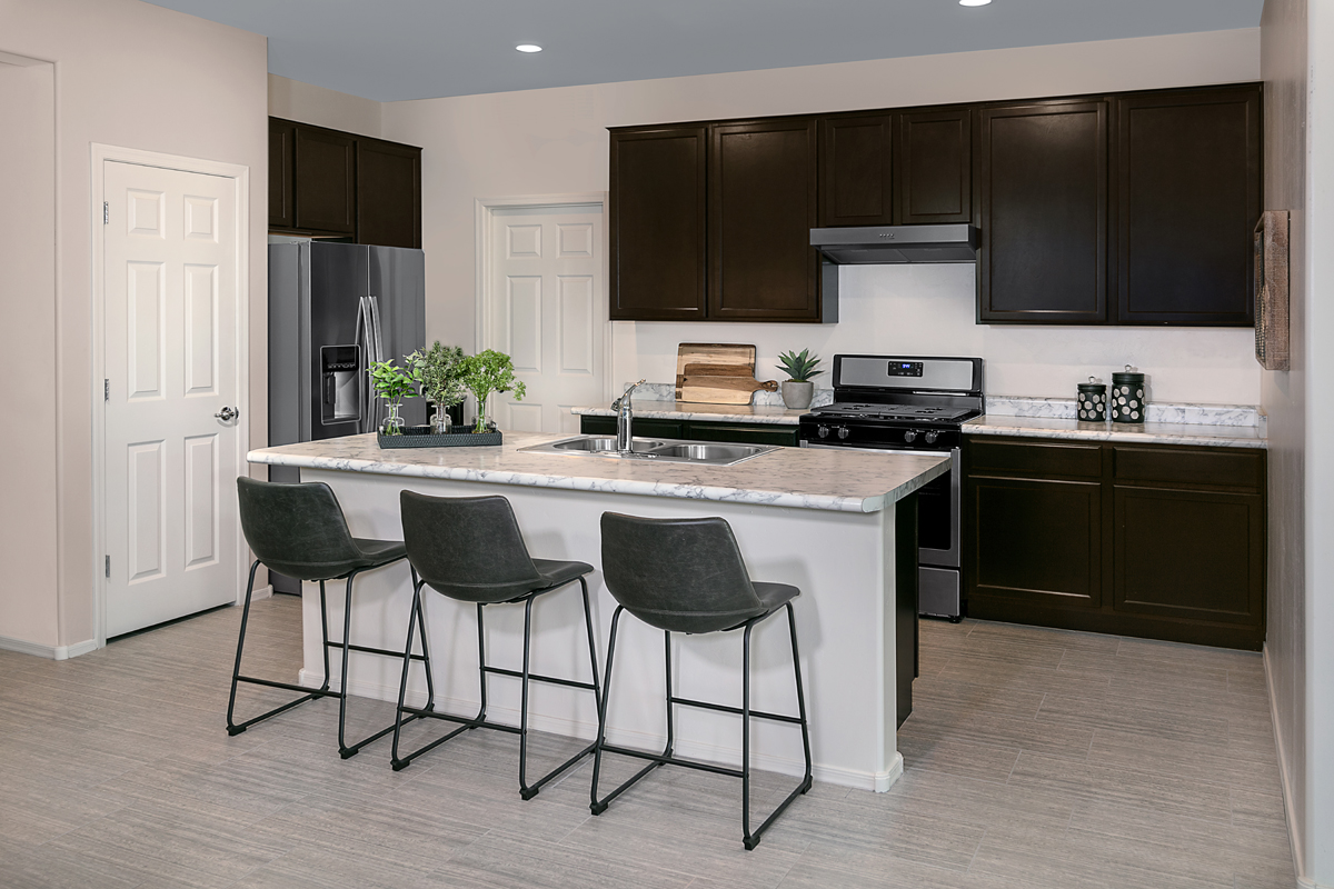 New Homes in Tucson, AZ - Northwood Point Plan 1584 Kitchen as modeled at Desert Point