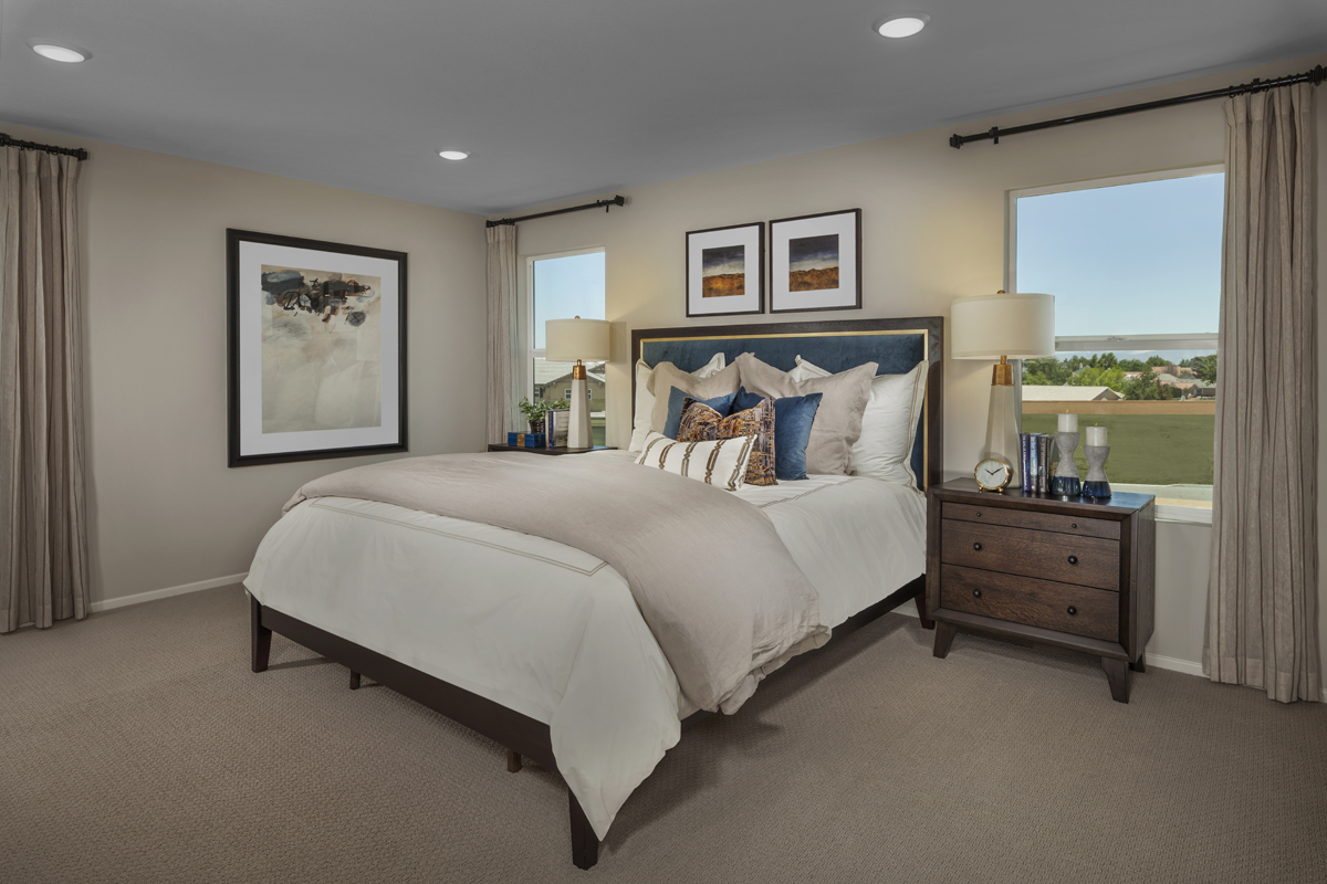 New Homes in Victorville, CA - Falcon Ridge Residence 2537 - Master Bedroom