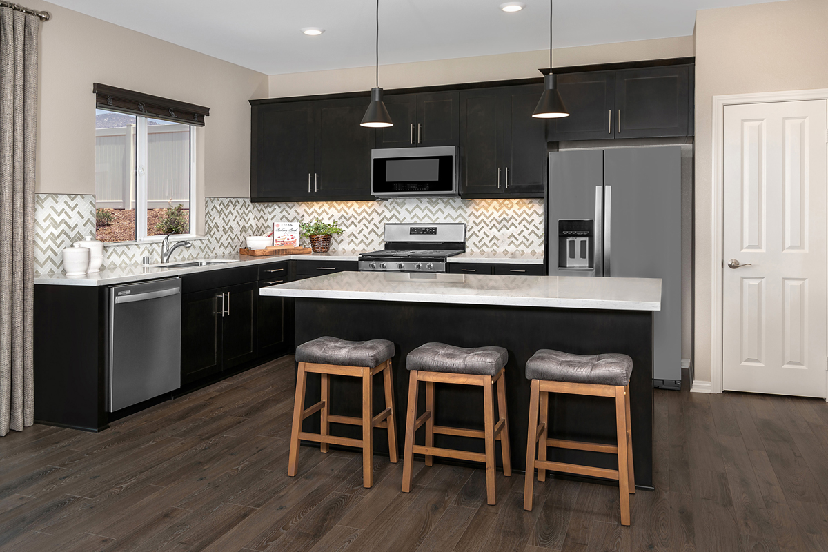 New Homes in Riverside, CA - Santa Barbara at Spring Mountain Ranch Residence Eleven - Kitchen
