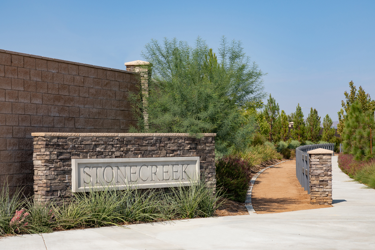 New Homes in South Perris, CA - Stonecreek at Green Valley Ranch Entry Monument