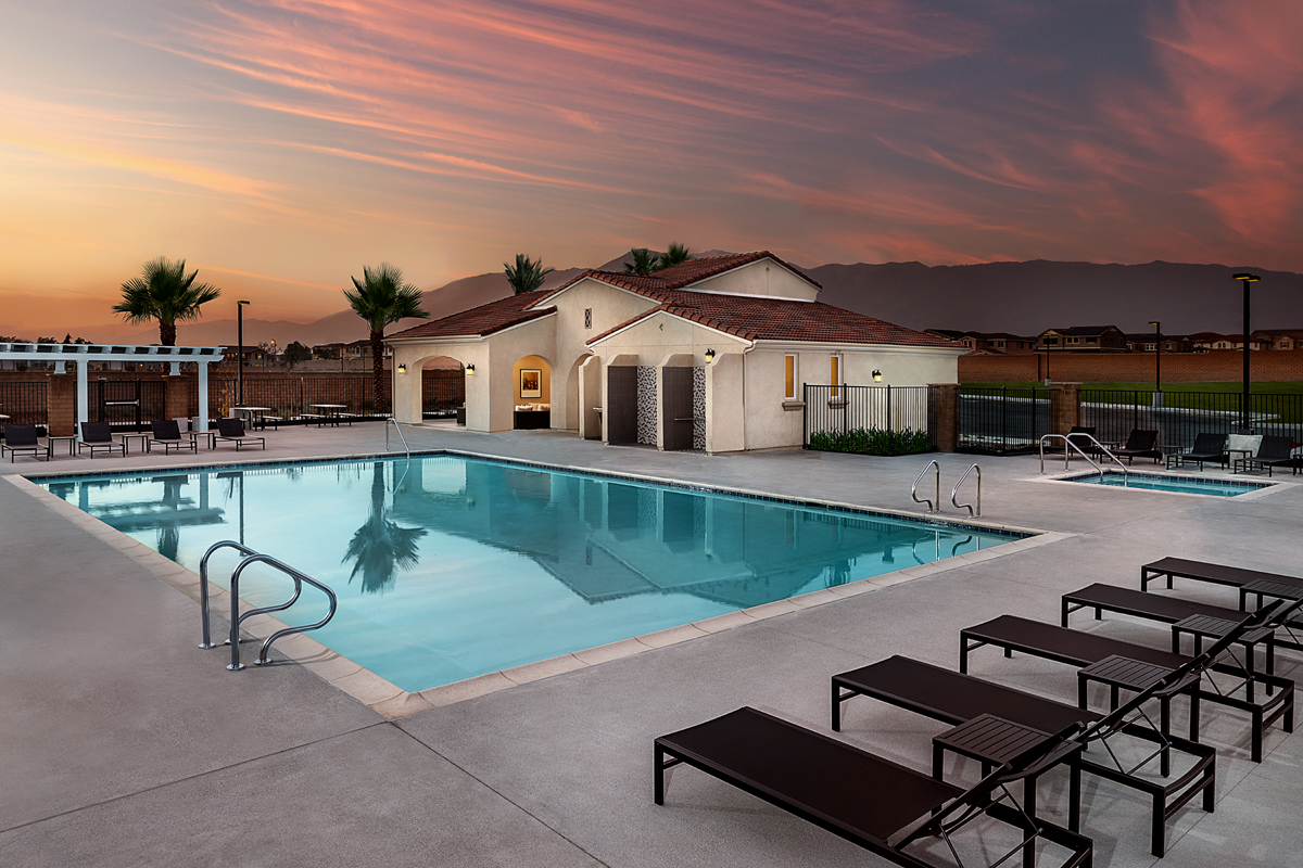 New Homes in North Fontana, CA - The Courts at El Paseo Pool