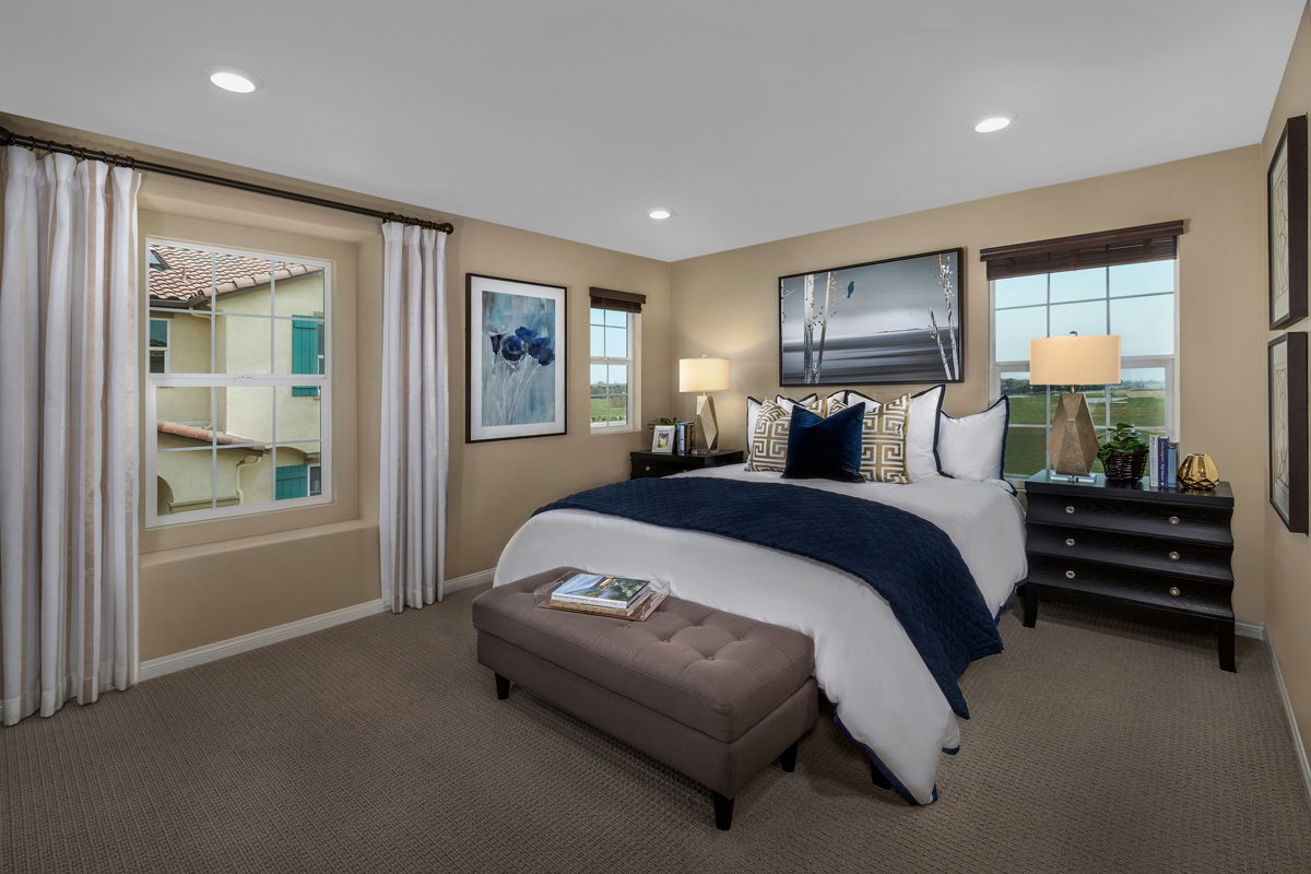 New Homes in Chino, CA - Turnleaf Residence 2098 - Master Bedroom