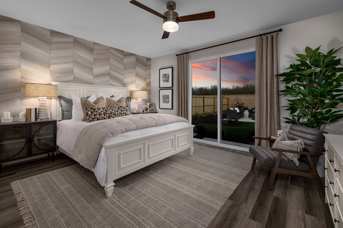 New Homes in Hughson, CA - Fieldstone Plan 1996 Master Bedroom