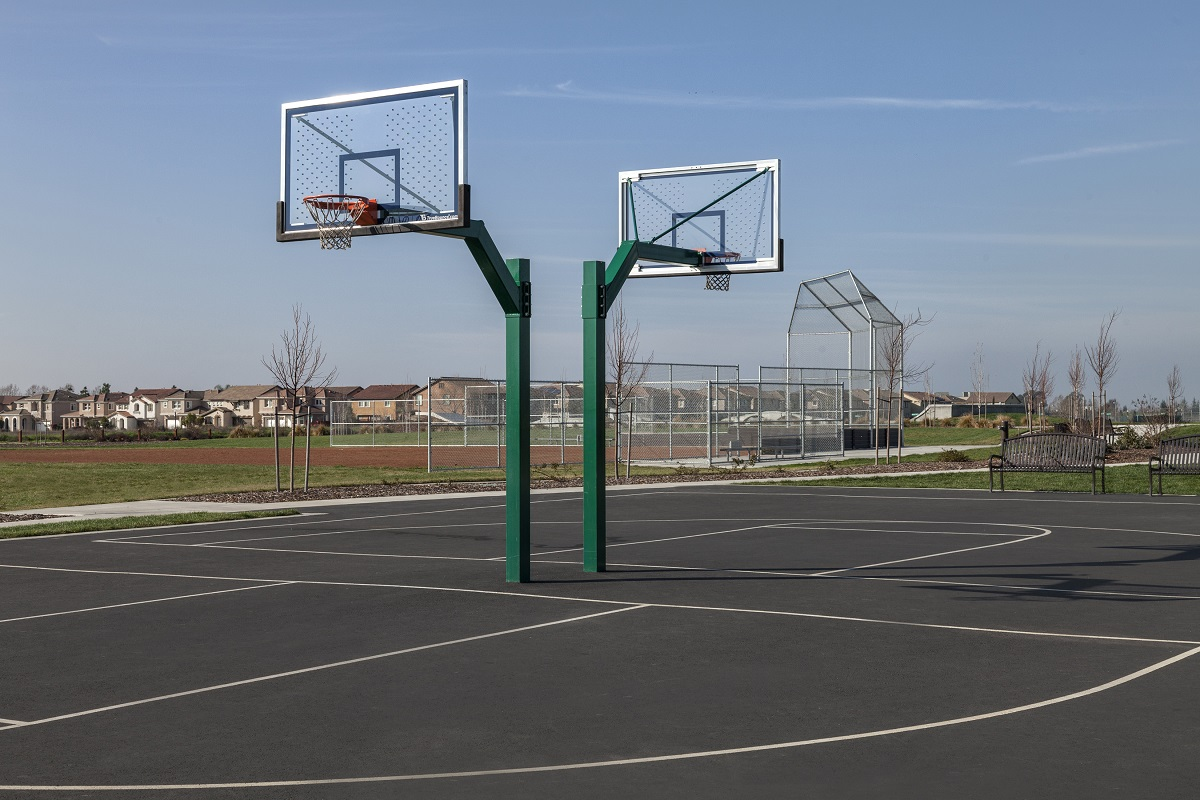 Amenity basketballs courts at a KB Home community in Sacramento, CA