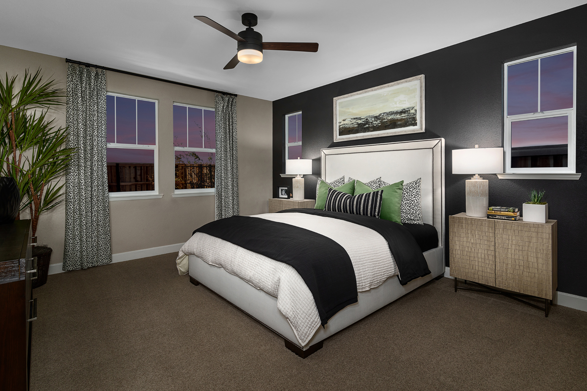 New Homes in Lathrop, CA - Riverchase at Stanford Crossing Plan 2207 Master Bedroom