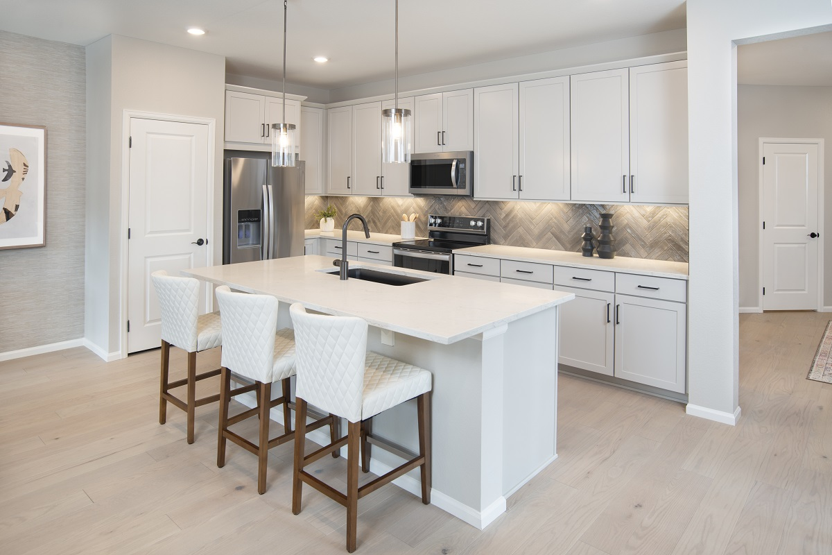 New Homes in Castle Rock, CO - Azure Villas at The Meadows Plan 1632 Kitchen