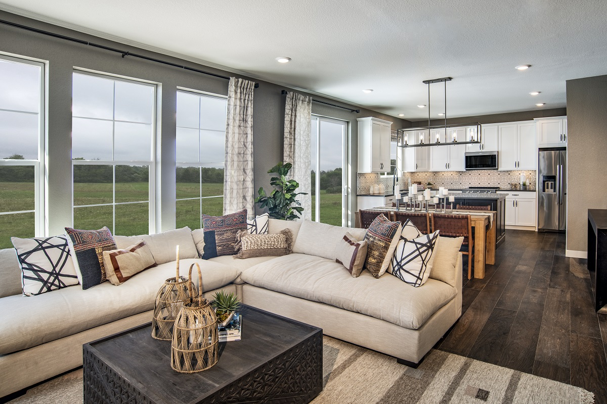 New Homes in Castle Pines, CO - The Canyons - Classic Collection Plan 1923 Great Room
