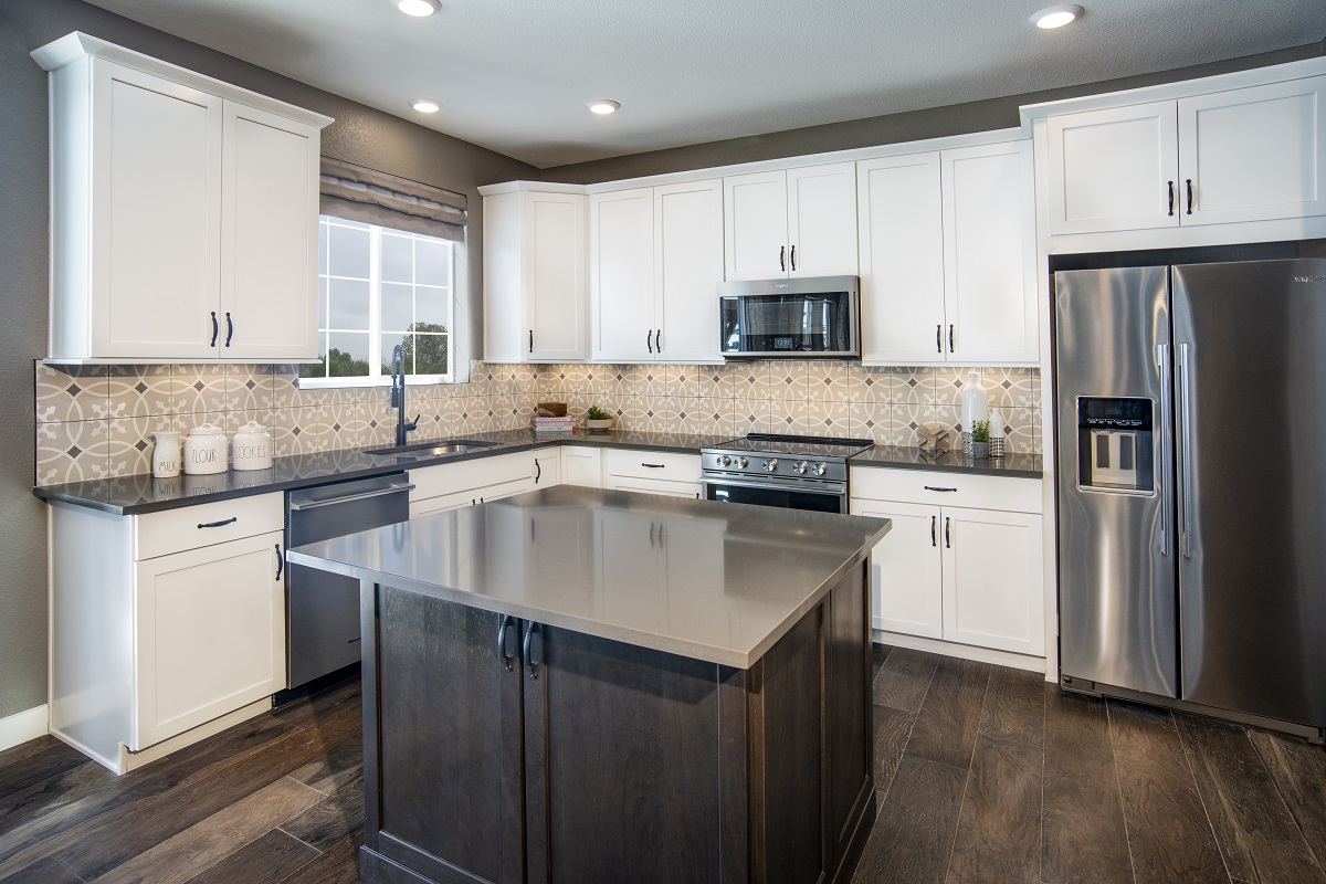 New Homes in Castle Pines, CO - The Canyons - Classic Collection Plan 1923 Kitchen