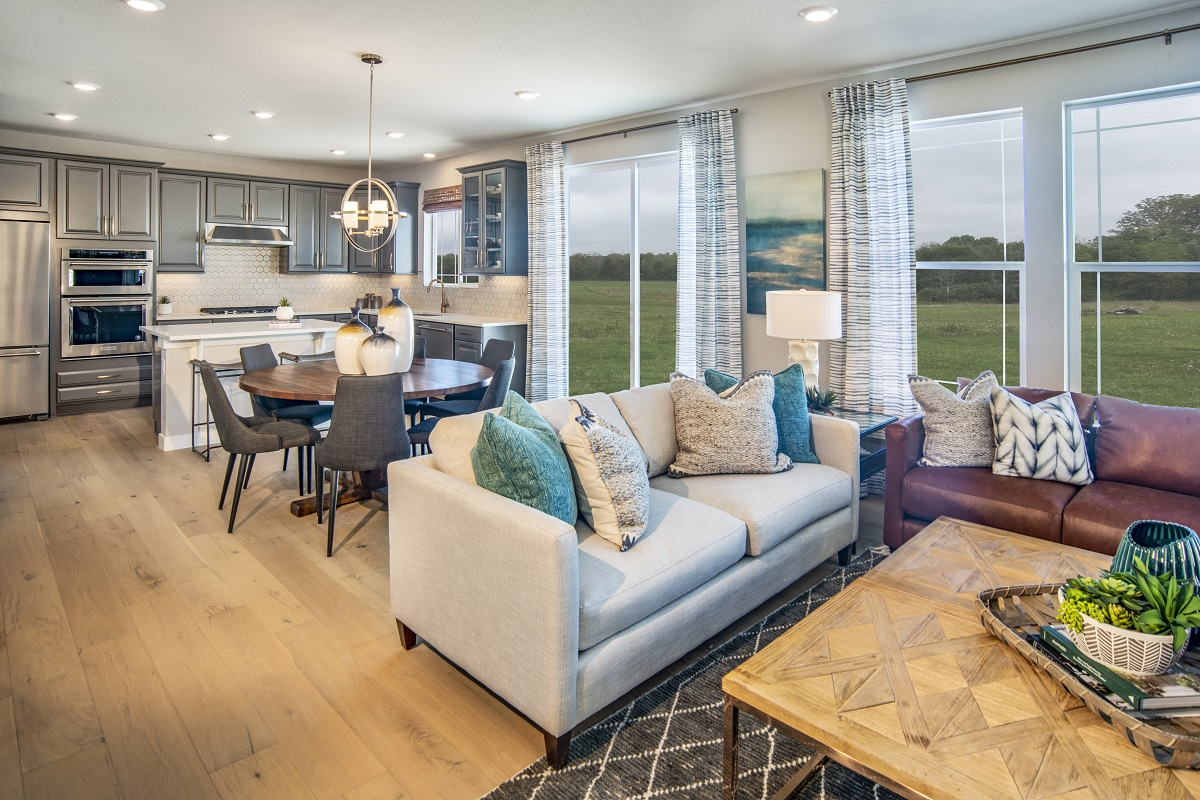 New Homes in Castle Pines, CO - The Canyons - Classic Collection Plan 2282 Great Room