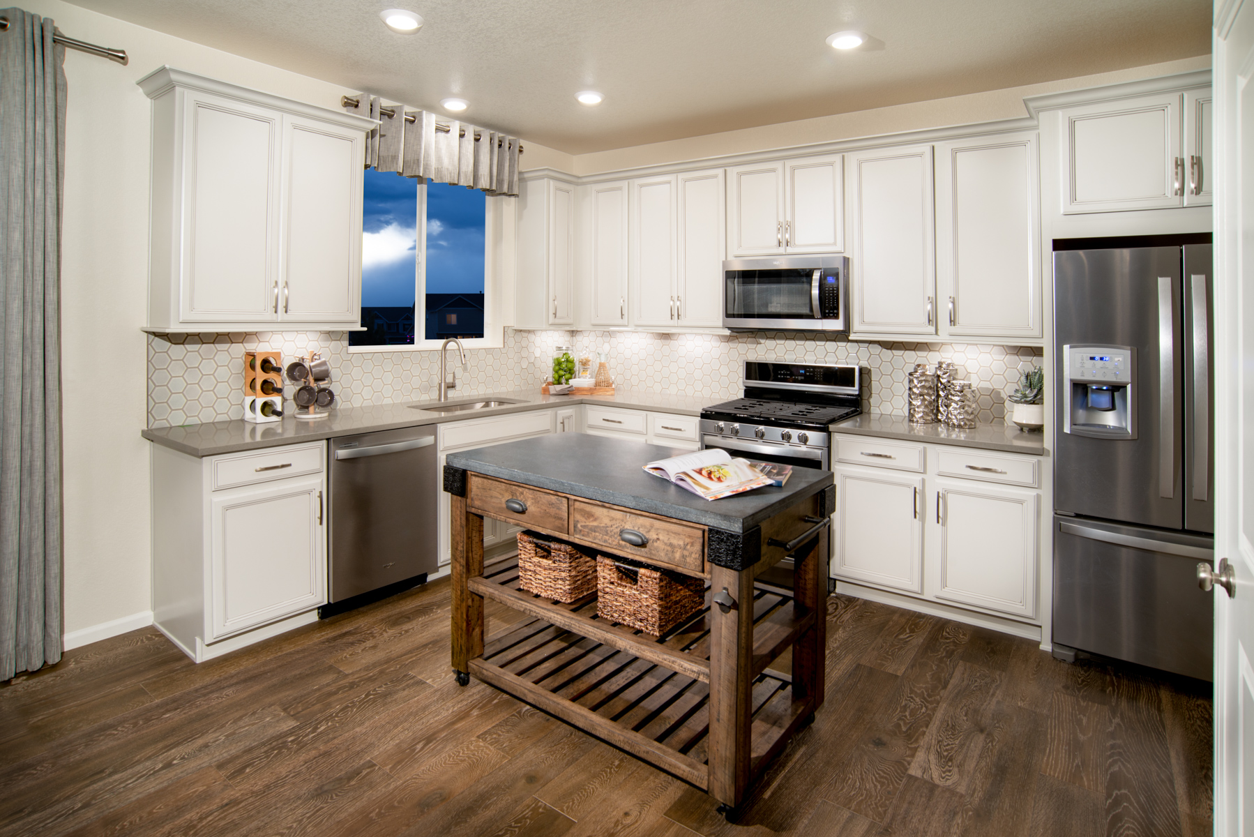 KB model home kitchen in Loveland, CO