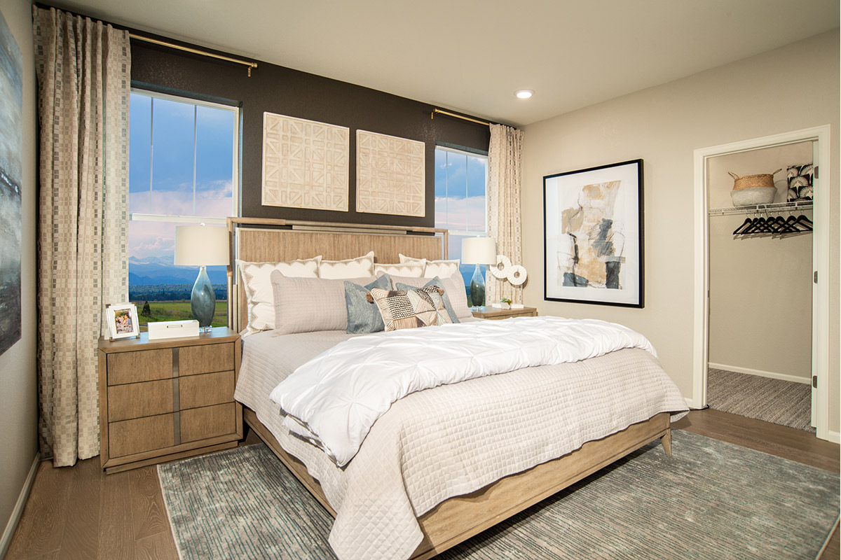 New Homes in Aurora, CO - Painted Prairie Plan 1382 Modeled Master Bedroom