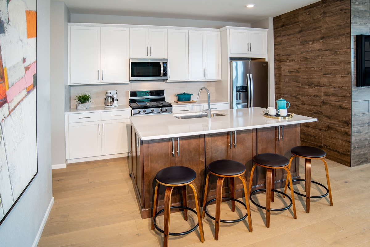 New Homes in Aurora, CO - Painted Prairie Villas Plan 1671 Kitchen