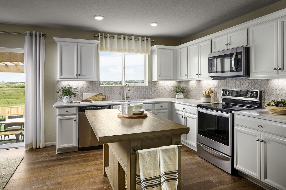 New Homes in Aurora, CO - Sky Ranch Plan 1624 Modeled Kitchen