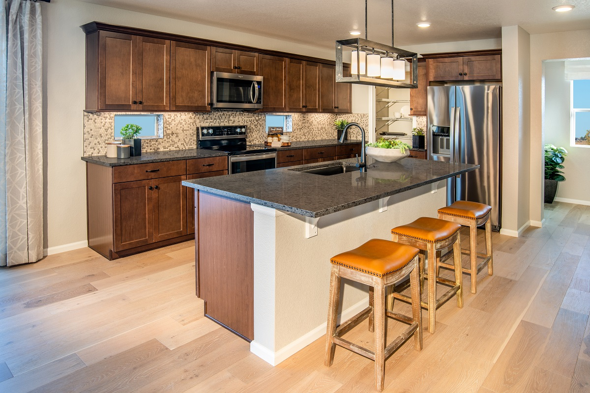 New Homes in Parker, CO - Stone Creek Ranch Plan 2390 Modeled Kitchen