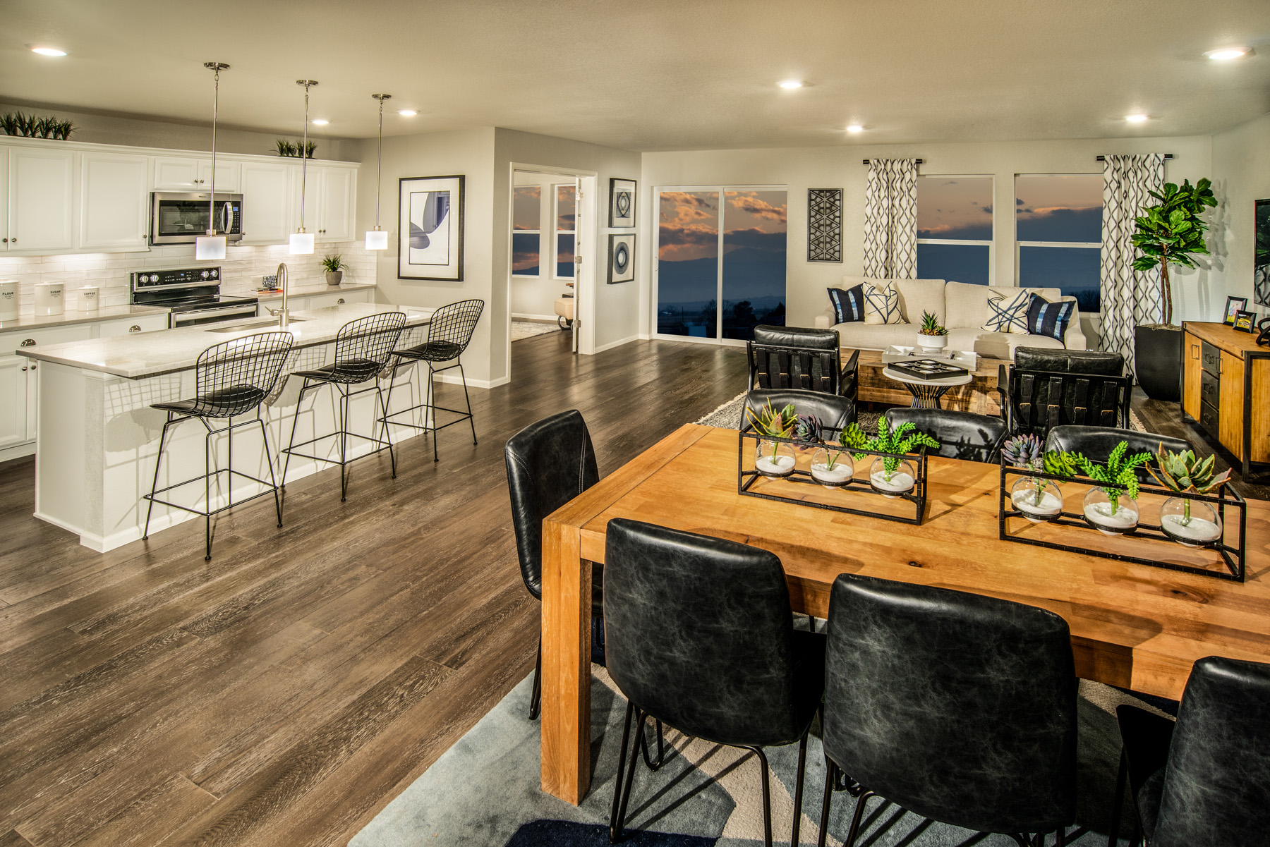 New Homes in Brighton, CO - The Villages at Prairie Center Plan 2583 Modeled Great Room