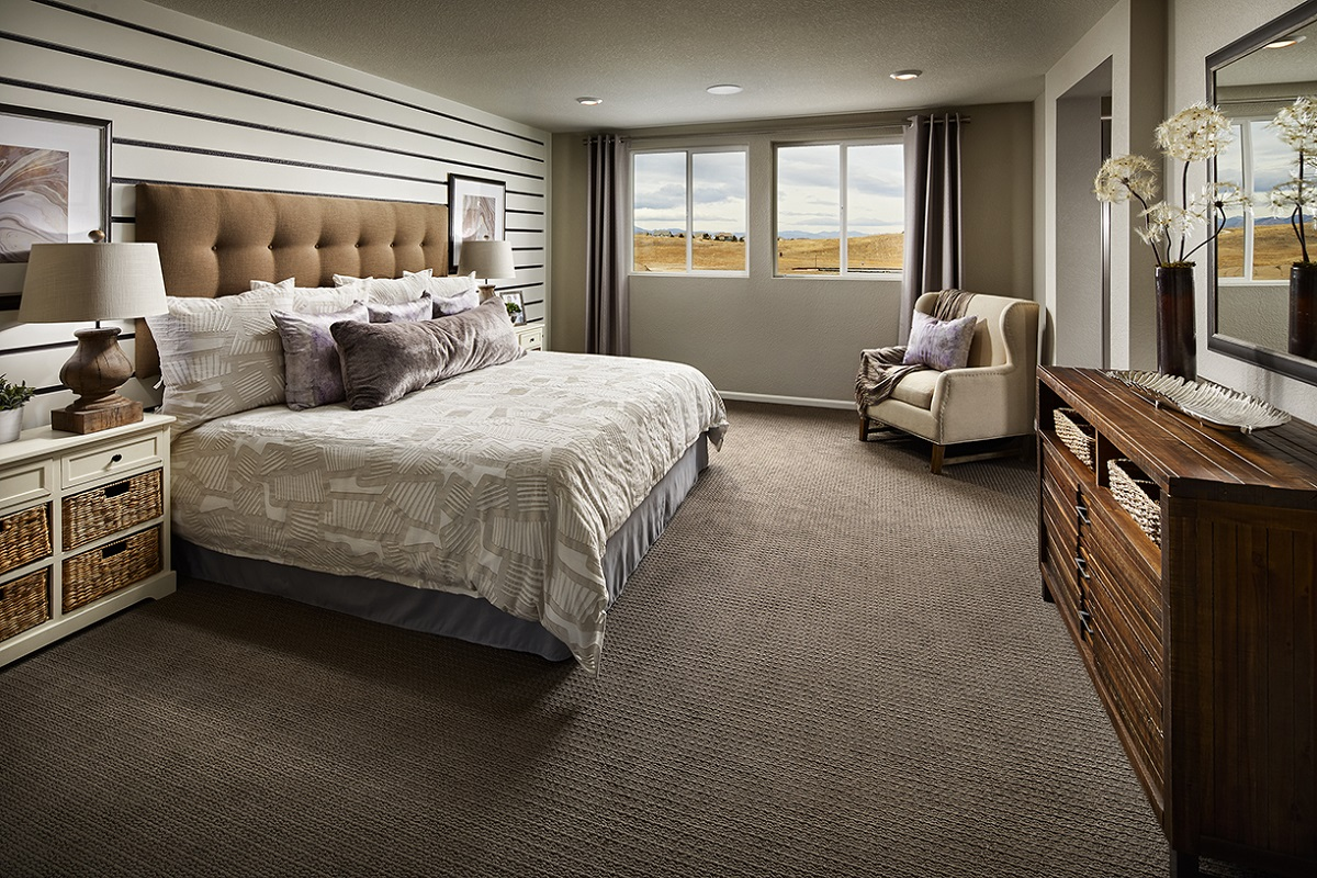 New Homes in Castle Rock, CO - Meadows Villas Plan 1928 Master Bedroom