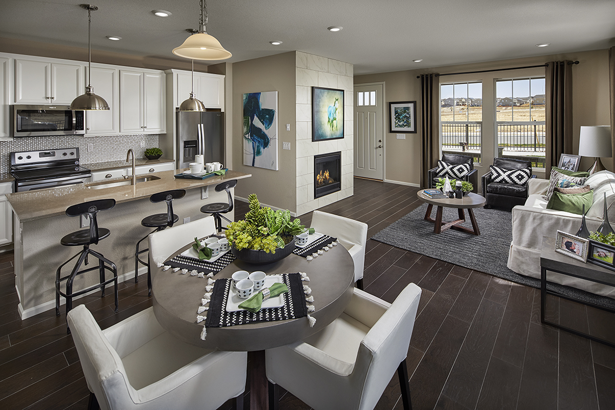 New Homes in Castle Rock, CO - Meadows Villas Plan 1682 Modeled Great Room