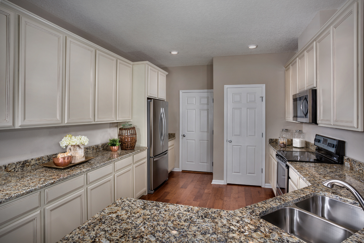 New Homes in Jacksonville, FL - Bartram Creek - Classic Series The Savannah Kitchen