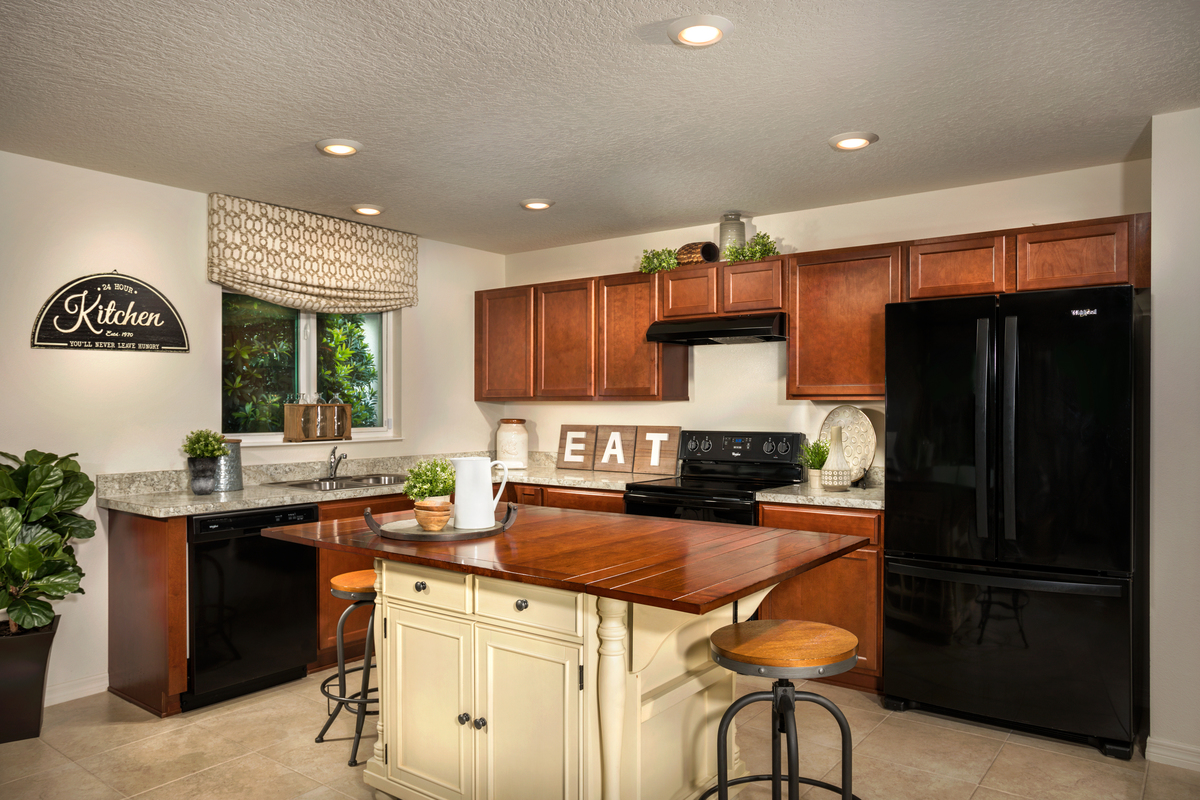 New Homes in Winter Haven, FL - Lake Lucerne Plan 1707 Kitchen