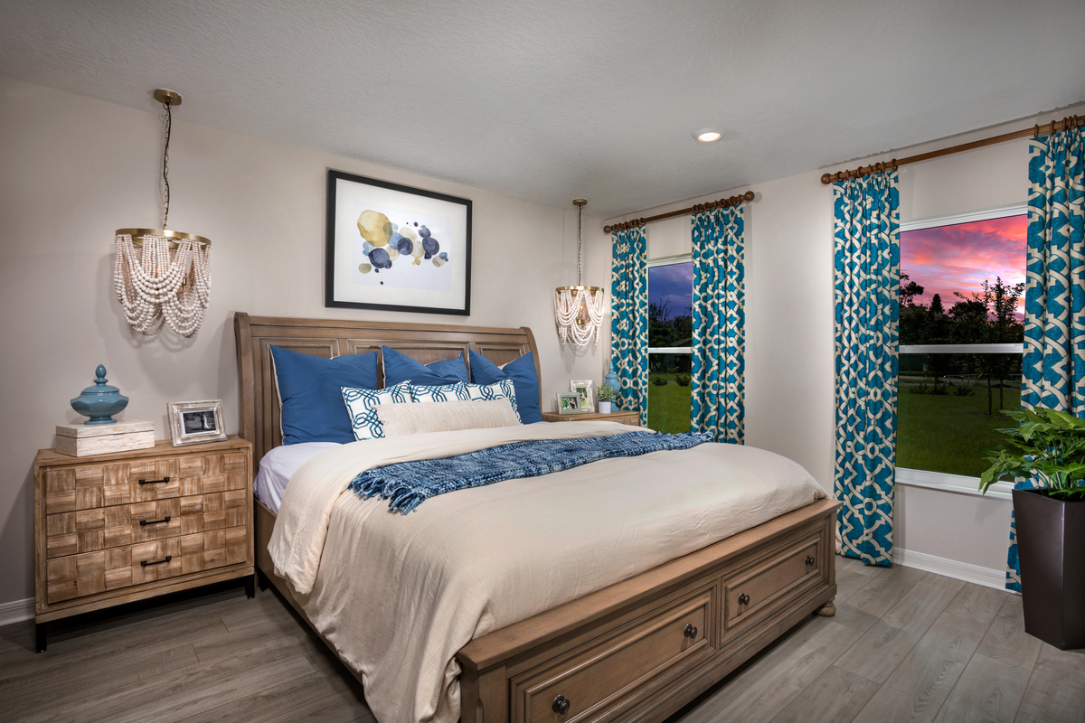 New Homes in Sanford, FL - Landings at Riverbend Plan 1637 - Master Suite