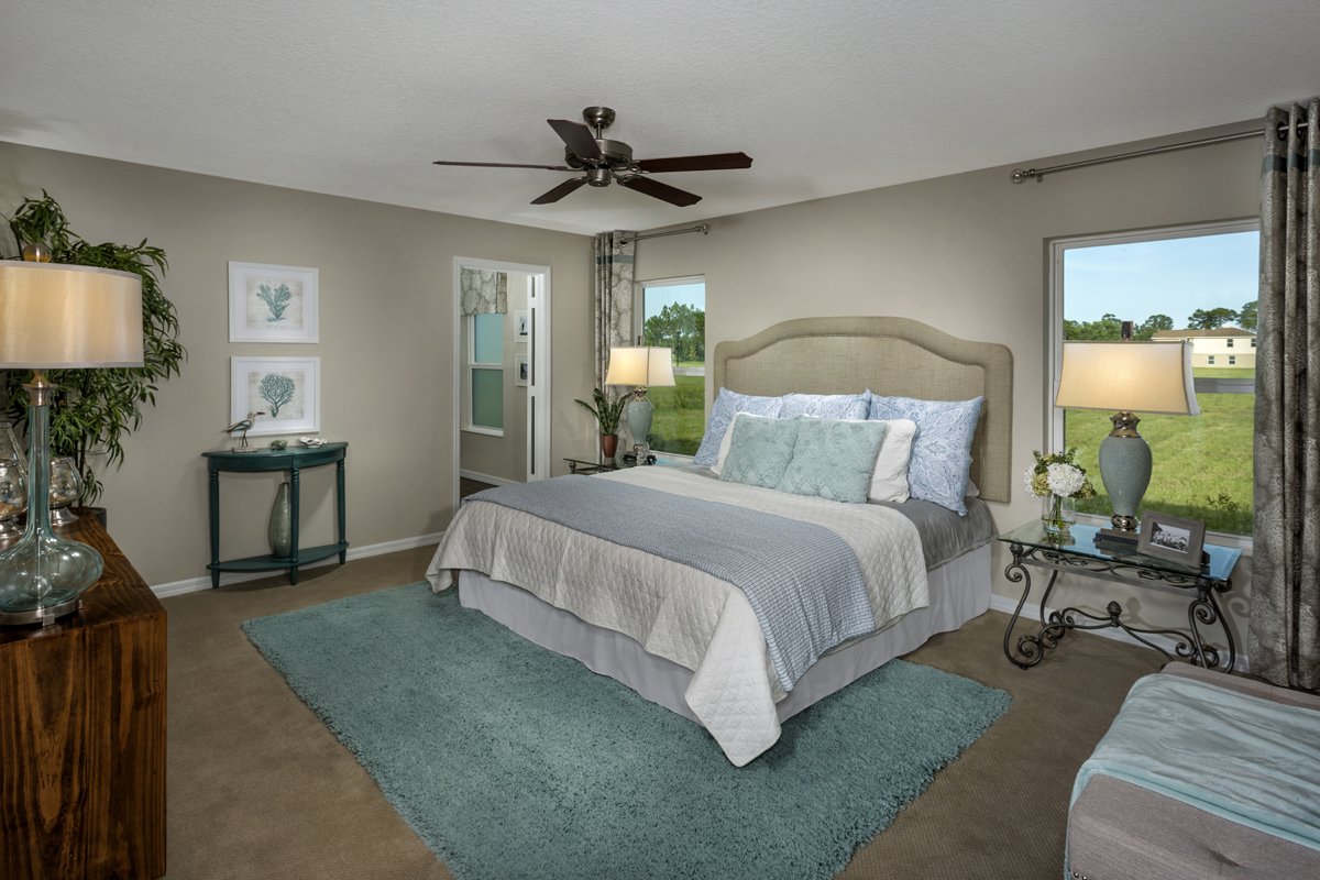 New Homes in Port St. Lucie, FL - Pine Trace The 1717 Master Suite