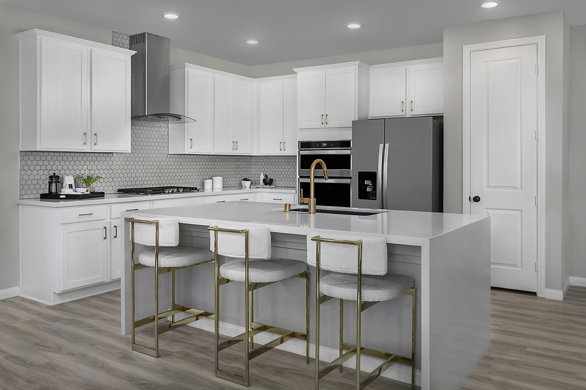 New Homes in Las Vegas, NV - Bristle Vale at Summerlin - Collection I Plan 2114 Kitchen