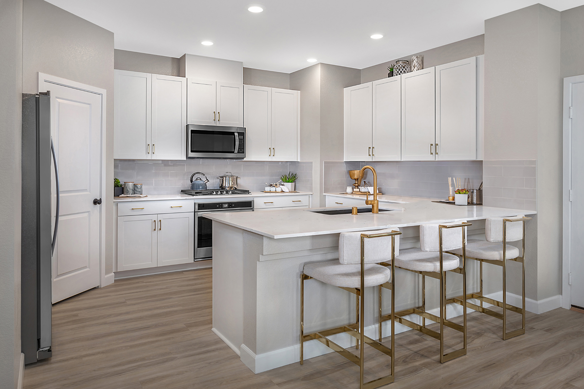 New Homes in North Las Vegas, NV - Gardens at Saddlebrook Plan 2041 Kitchen