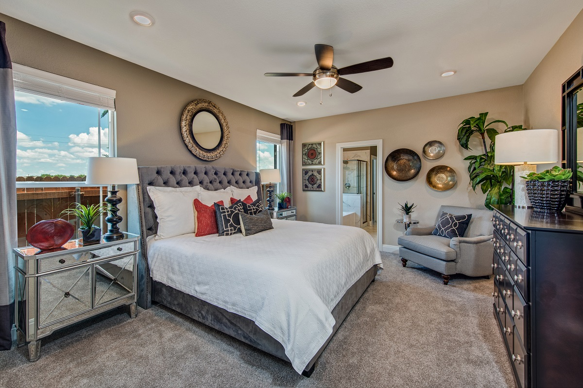 New Homes in Round Rock, TX - Greenlawn Village Plan F-2495 Master Bedroom
