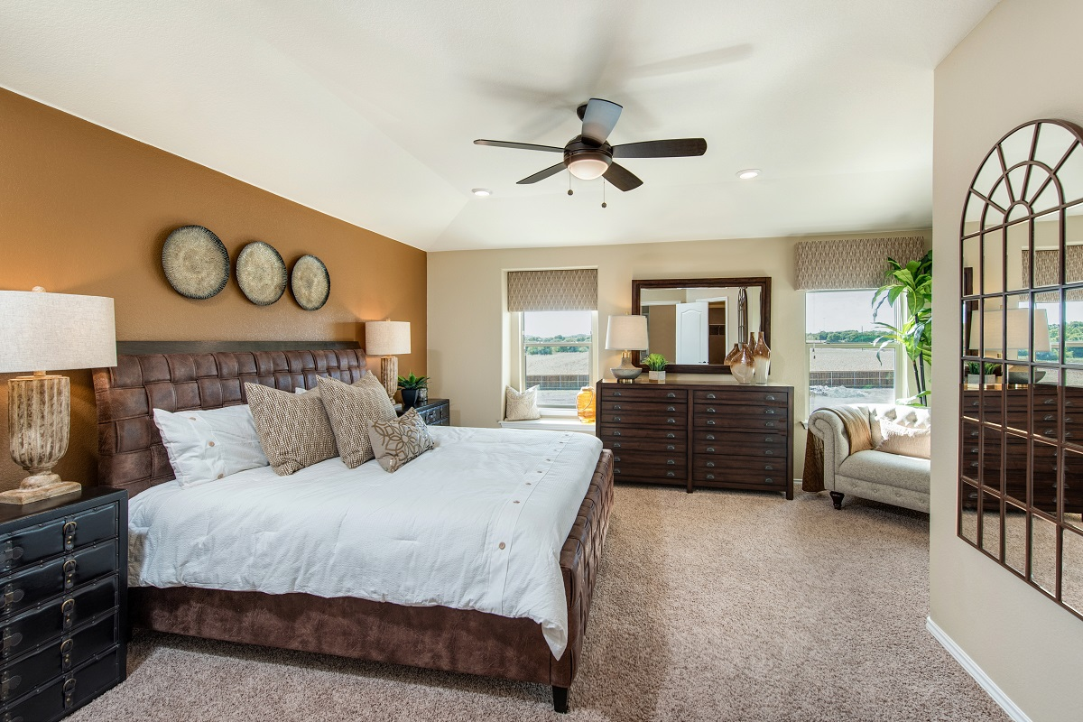 New Homes in Round Rock, TX - Greenlawn Village Plan 1909 Master Bedroom