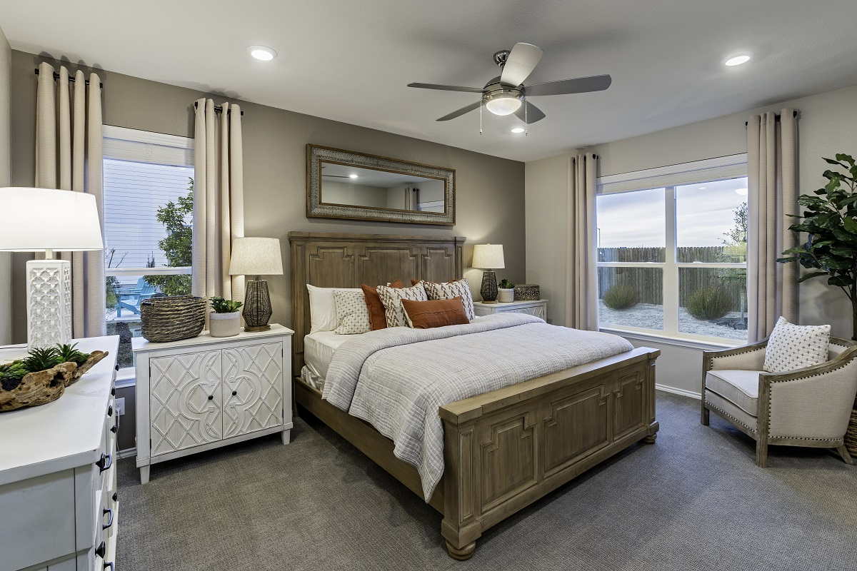 New Homes in Georgetown, TX - La Conterra - Heritage Collection Plan 1647 Master Bedroom