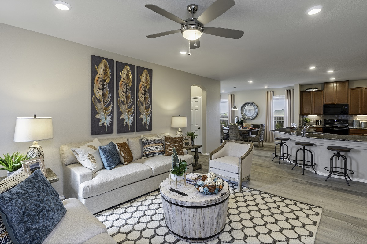 New Homes in Georgetown, TX - La Conterra - Heritage Collection Plan 1647 Great Room
